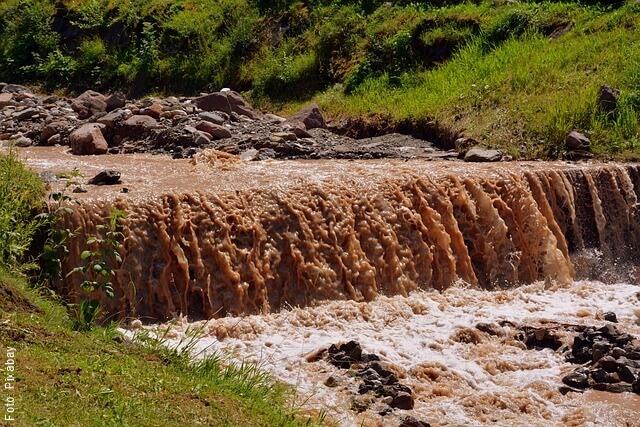 foto de aguas turbias