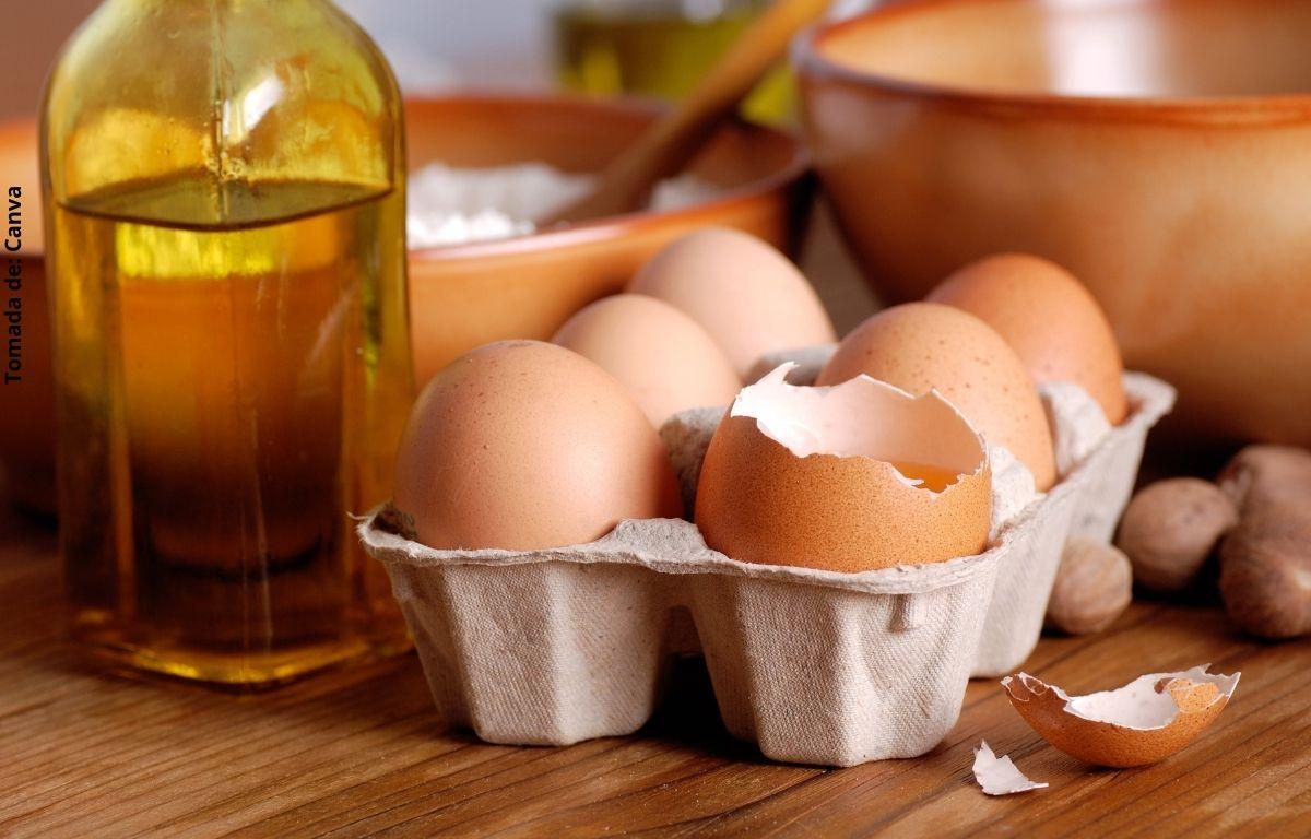 foto de huevos y aceite