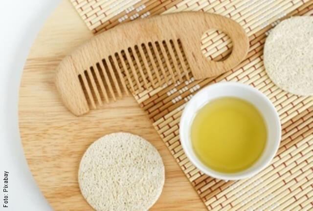 foto de elementos para el cuidado del cabello con aceite de oliva