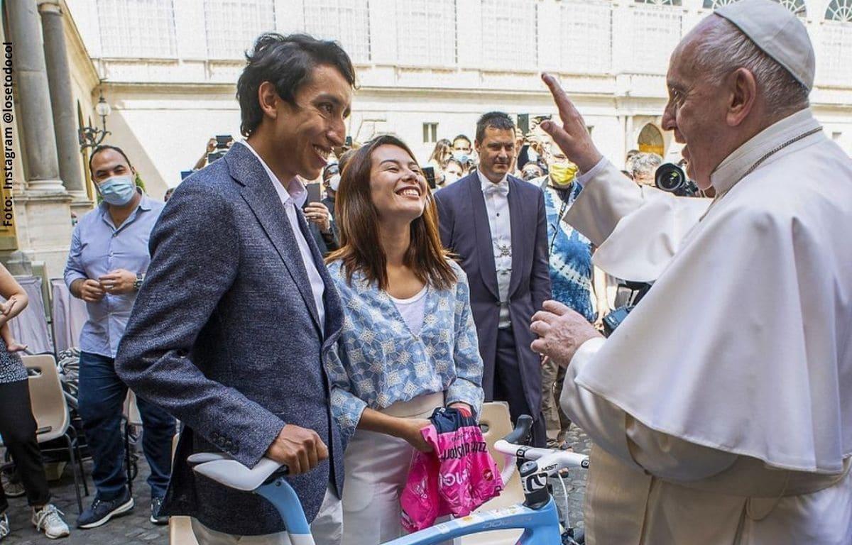 Egan Bernal tuvo encuentro con el Papa Francisco y le dio varios regalos