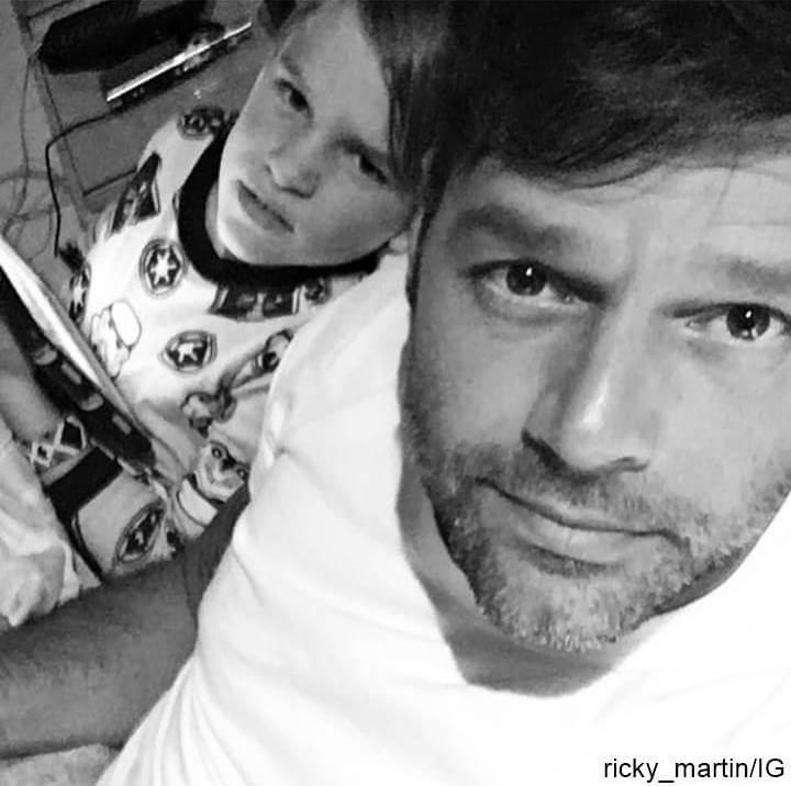 Foto de Ricky Martin y uno de sus hijos gemelos