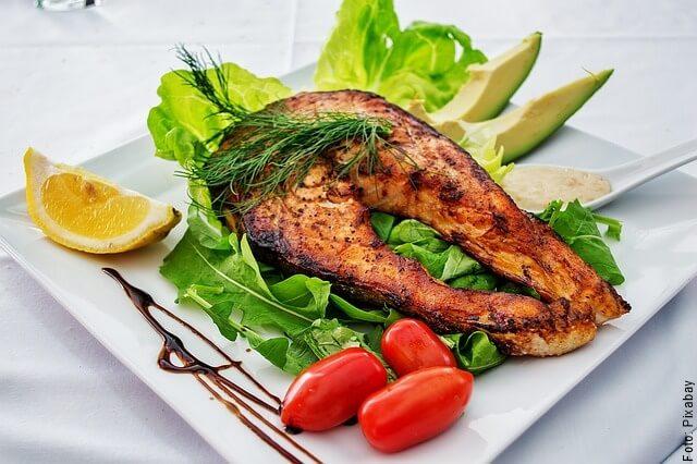 foto de salmón preparado con aceite de coco