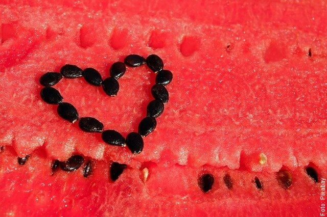 foto de sandía con semillas