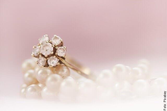foto de anillo de diamantes