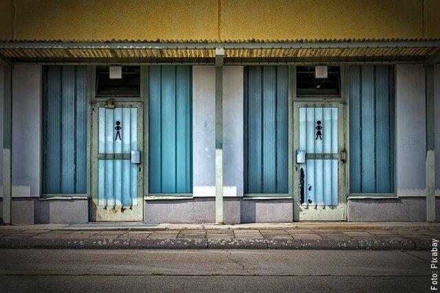 foto de puertas de baño
