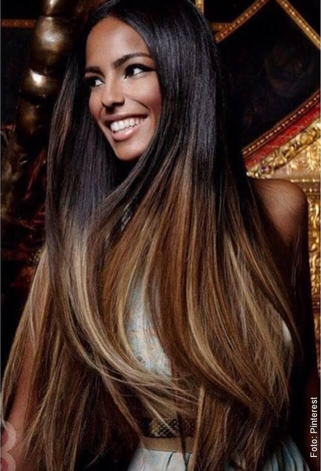 foto de mujer con cabello miel