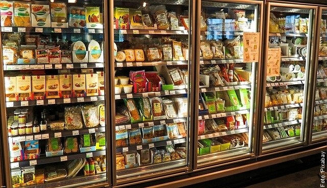 foto de nevera de supermercado