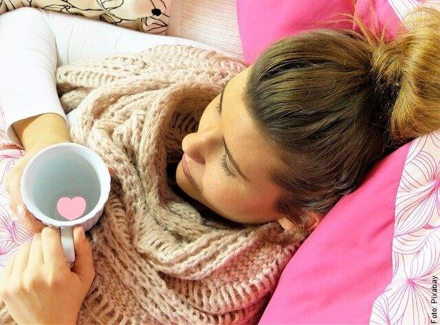foto de mujer con gripa