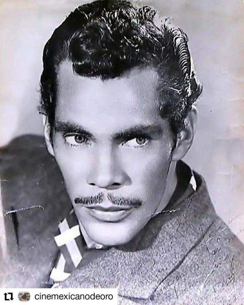 foto de un hombre a blanco y negro