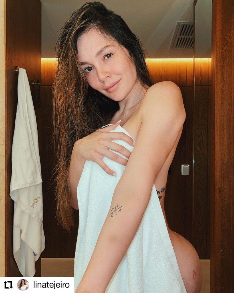 foto de mujer con una toalla