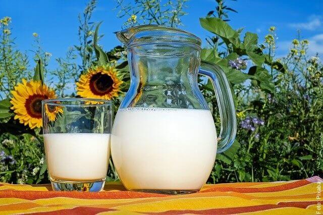 foto de jarra de leche