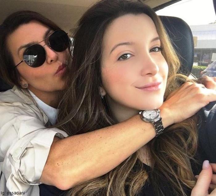 Foto de Isabela Santodomingo junto a Daniela Ossa
