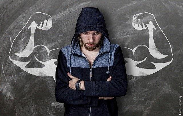 foto de hombre en el gimnasio