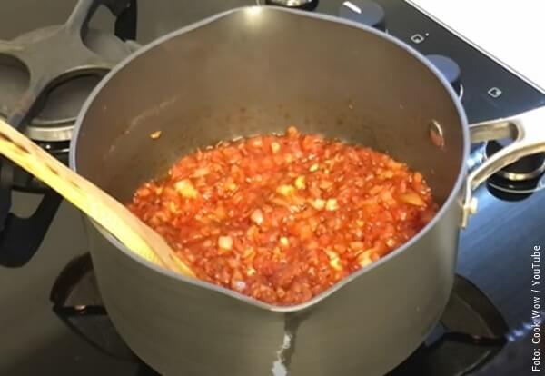 foto de hacer salsa napolitana