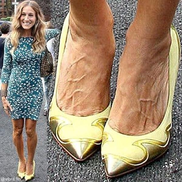 Foto de Sarah Jessica Parker junto a foto de los pies