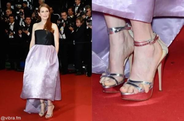 Foto de Julianne Moore al lado foto de los pies