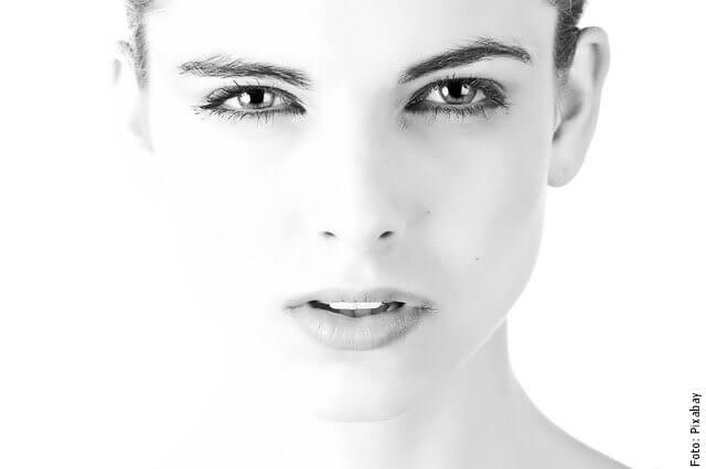 foto de mujer con piel sana
