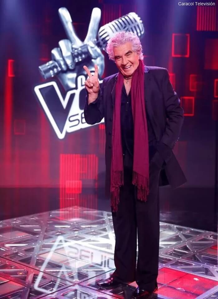 Foto de Germán rojas en el escenario de La voz