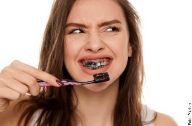 foto de lavarse los dientes